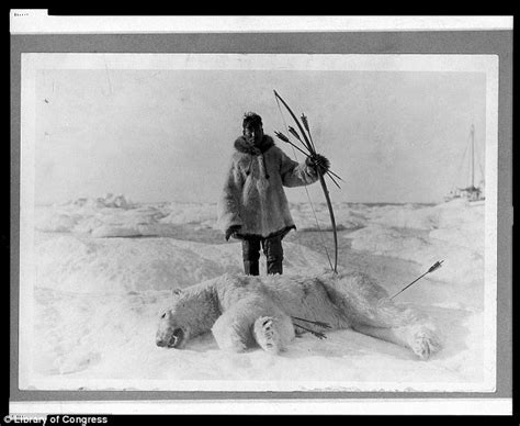 i am inuit portraits of places and of the arctic books historic photographs document how alaska s inuit eskimos