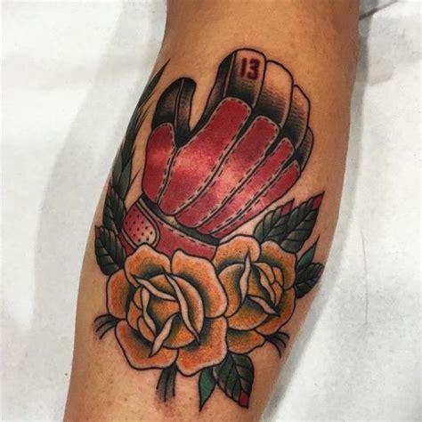 tattoo old school occhio tatuaż new school łydka kwiat boks przez blessed tattoo