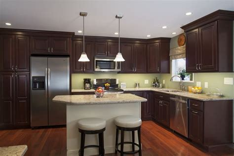 cabinets bordeaux maple standard overlay  square