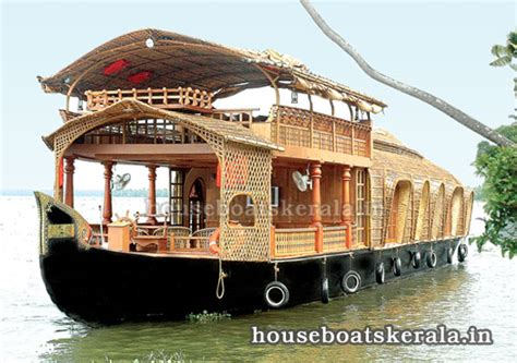 kerala tourism kumarakom boat house photo sharing