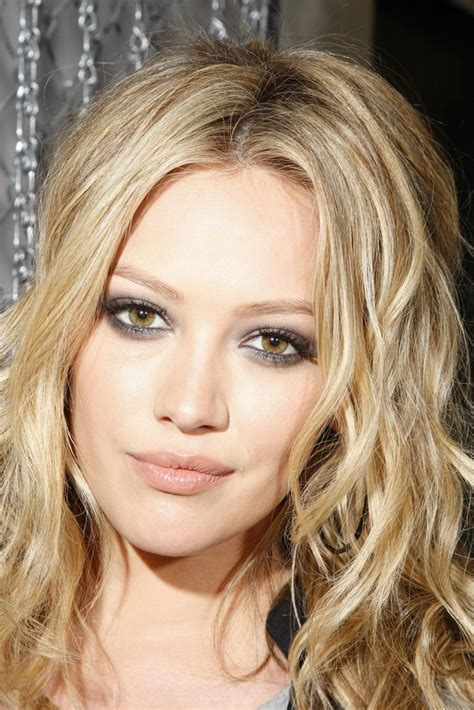 Lindsay And Hilary Make Up by 1000 Ideas About Hilary Duff Makeup On Semi