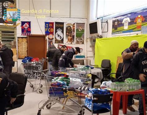 guardia di finanza pavia pavia merce contraffatta oltre 3 mila capi sequestrati