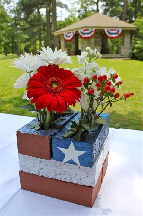 33 front porch decorating ideas for the 4th of july 17