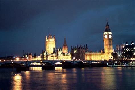chambre du parlement chambres du parlement vue de nuit