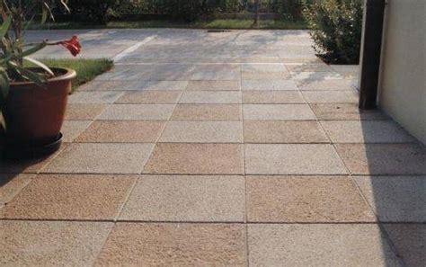 piastrelle per esterno antiscivolo migliori pavimenti per esterno antiscivolo pavimento da