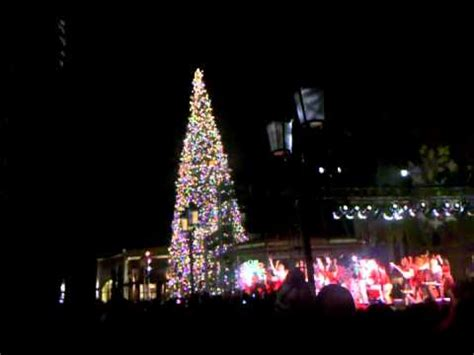christmas light up in fashion island fashion island tree lighting event