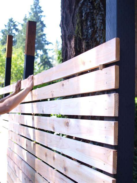 Modern Backyard Fence by Best 25 Diy Backyard Fence Ideas On Diy Fence