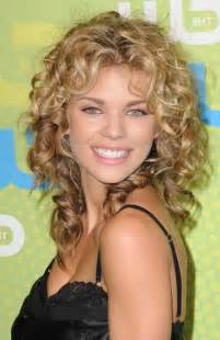 what are hairstyles in 20 long curly hairstyles for round faces hairstyles ideas