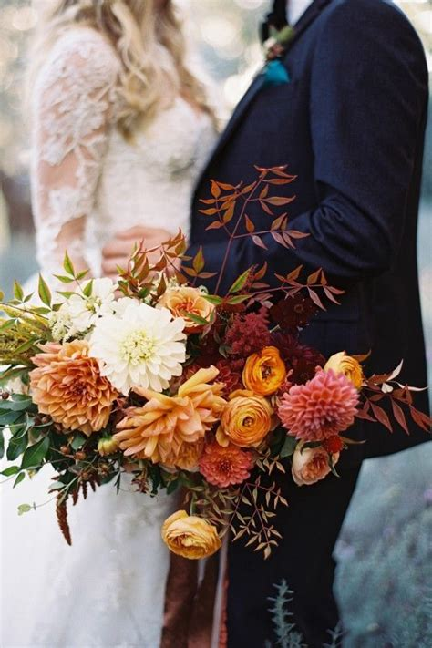 15 bold and beautiful fall bouquet ideas hey wedding