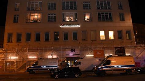 Laute Explosion Bank Einbruch In Berlin Friedrichshain