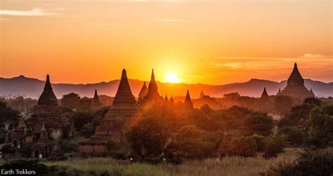 everest film yangon 365 days of travel in 100 photos earth trekkers