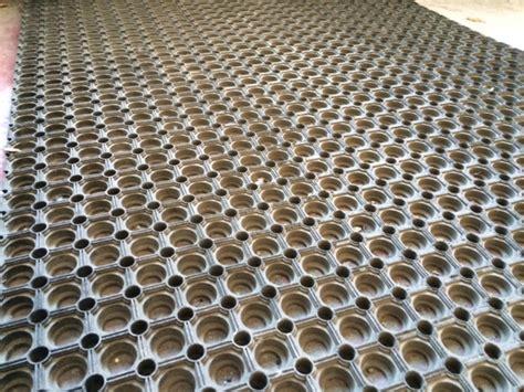 tappeti in gomma per esterno zerbini in gomma sbr con fori passanti antiscivolo 22mm