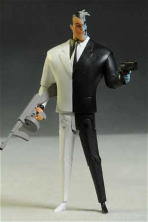 Tas Gendong Mr Key 3 review and photos of batman animated figures from