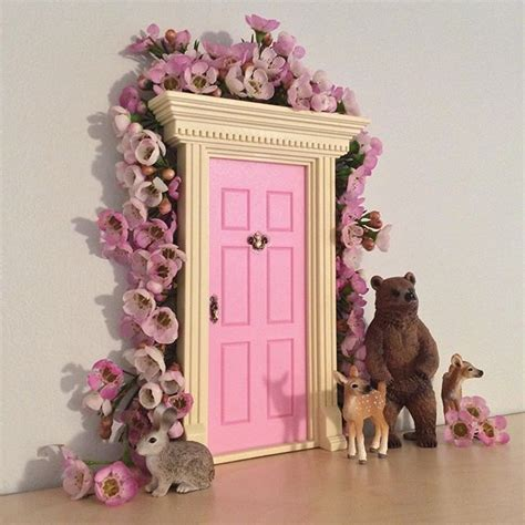 fairy doors for bedroom 25 best ideas about lil fairy door on pinterest girls