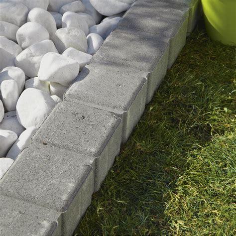 bordure de jardin plastique leroy merlin bordure droite pav 233 seine droite grise reconstitu 233 e gris h 11 x l 50 cm leroy merlin