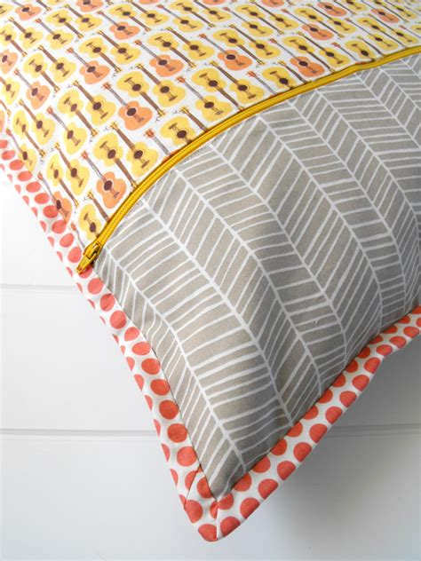 Pillow Material Types by 3 Types Of Pillow Backings To Try Pillow Design Pillows