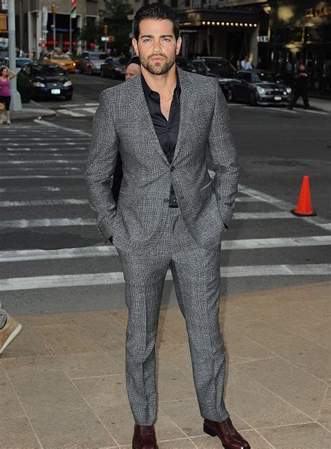 Gray Suit Ideas For Men's Fashion