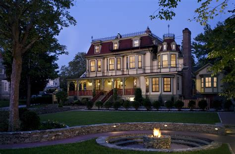 newport bed and breakfast cliffside inn in newport rhode island b b rental