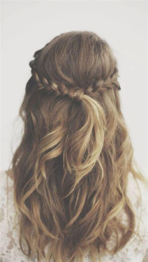braid behind ear images 17 migliori idee su capelli corti treccia su pinterest