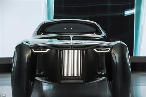 design engineer rolls royce rolls royce unveils its driverless car of the future