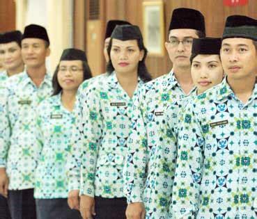 Baju Pegawai Negeri Sipil struktur tingkatan jenjang karir golongan pegawai negeri sipil pns indonesia fairuz el said