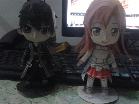 Kirito Papercraft - sao kirito and asuna papercraft by chicacaroni on deviantart