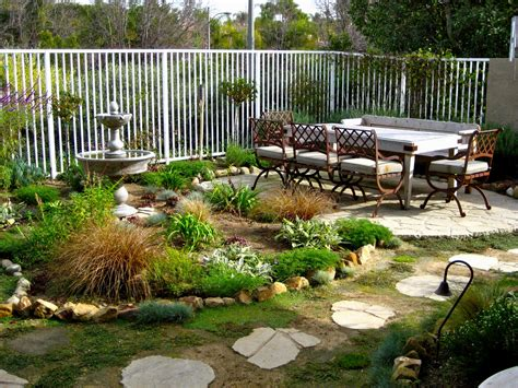 how to decorate a small backyard cheap landscaping ideas for small backyard thorplccom plus