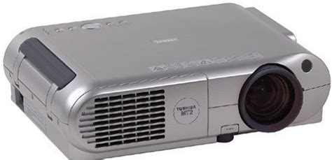 Lu Lcd Projector Toshiba toshiba tlp mt2u lcd home theater projector 700 ansi