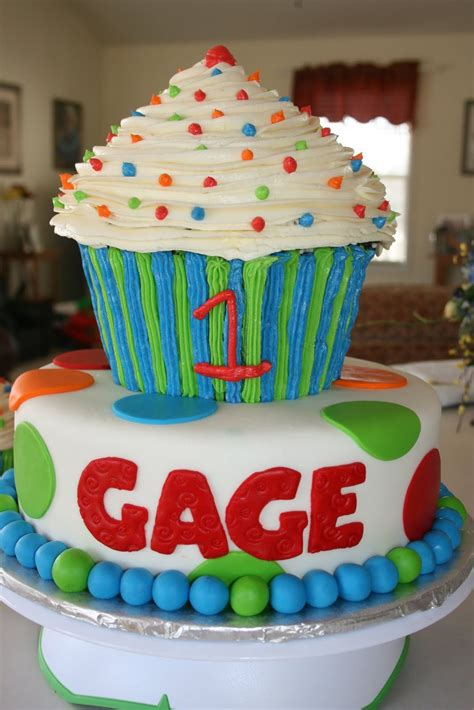 giant birthday cupcake sports bing images cake decorating st birthday cakes birthday