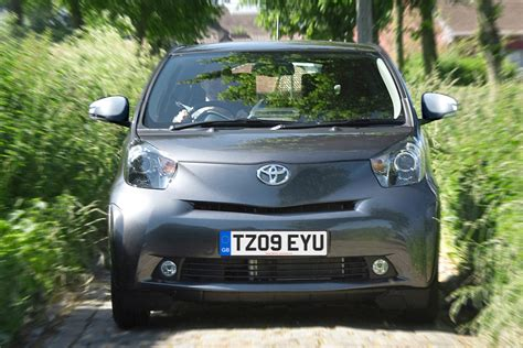 on car toyota iq city car pictures carbuyer