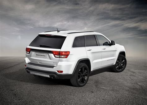 jeep cherokee black 2012 2012 jeep grand cherokee sports concept revealed