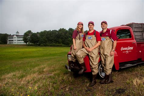 Spray Cranberries Mba Internships by Slideshow 26 Bates Photographs Of 2014 That We Like The