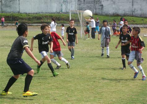 dibujos de niños jugando soccer el derecho del pueblo palestino a jugar f 250 tbol