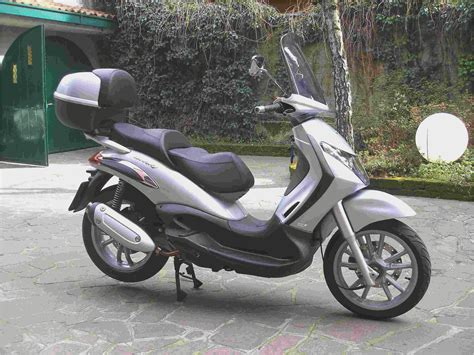 piaggio beverly 125cc 300cc scooter scooters mopeds