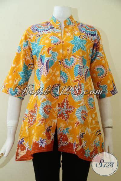 desain jahit baju batik baju batik kuning motif modern klasik dengan desain mewah