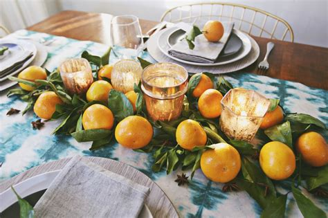 how to set a thanksgiving dinner table autumn brights spice how to set a modern
