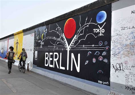 Cool Wall Mural graffiti vs street art at berlin s east side gallery