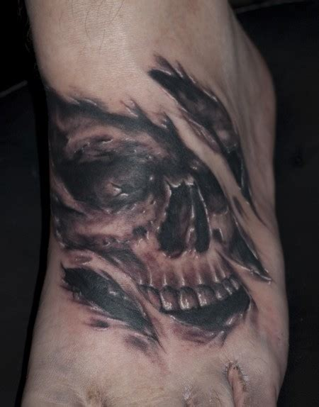 sofat skull fuss tattoos von tattoo bewertung de