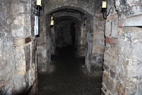 underground vaults html a very spooky atmosphere under edinburgh picture of