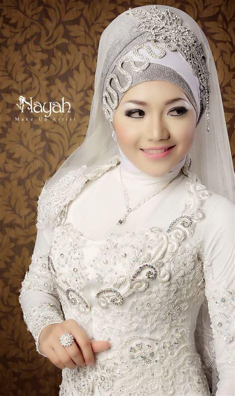 Model Terbaru Dress Tiara And By Eq bridal headpieces for your wedding day hijabiworld