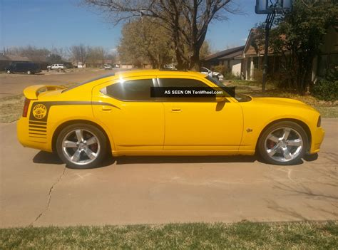 dodge charger srt8 bee specs 2013 dodge charger srt8 4dr rear wheel drive sedan specs