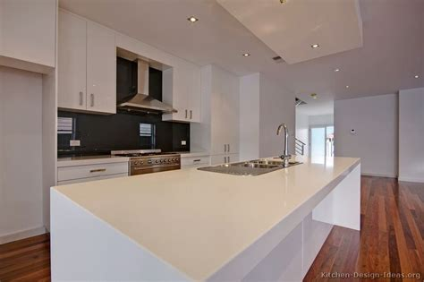 Backsplash White Kitchen by Pictures Of Kitchens Modern White Kitchen Cabinets
