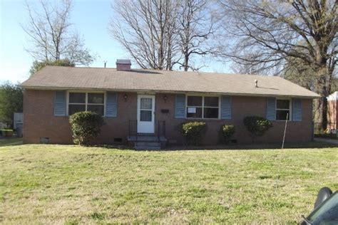 2916 southwest blvd nc 28216 foreclosed home