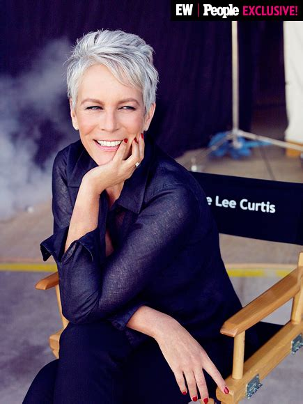 what does jamie lee curtis do to her hair scream queens jamie lee curtis discusses what she learned