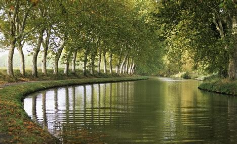 midi canal boat holidays boating holidays on the canal du midi france daily mail