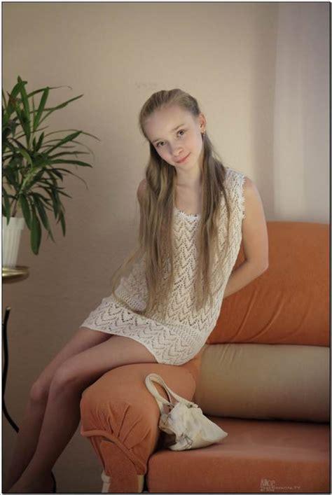 Nn Trixie Model Sets Hot Girls Wallpaper