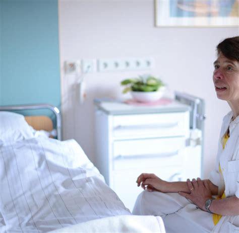im krankenhaus liegen schicksal wie es ist 60 jahre im krankenhaus zu liegen