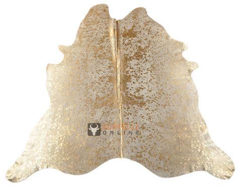 goldener teppich exclusive kuhfell gold kaufen kuhfell mit goldenen