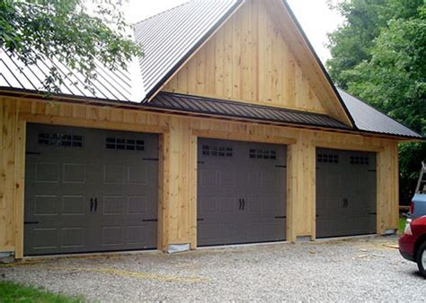 Country Garage Doors 16 Best Images About Country Farmhouse Style On Models Carriage House And Garage