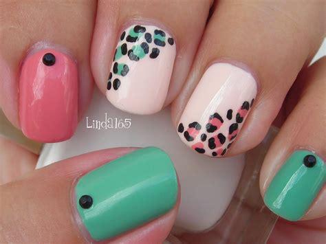 a simple and easy girly zebra nail art design finger nail art easy and girly leopard nails decoracion de
